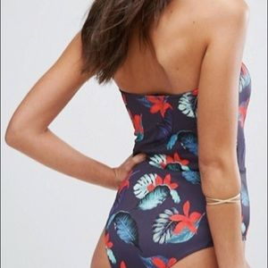 Strapless multi colored lace up 1 piece swimsuit